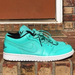 Air Jordan Retro 1 Hyper Turquoise Low Size 10
